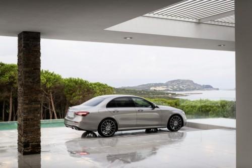 Mercedes Classe E 2020: allestimenti, motori e prezzi - Foto 12 di 19