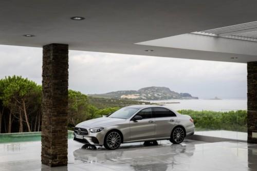 Mercedes Classe E 2020: allestimenti, motori e prezzi - Foto 16 di 19