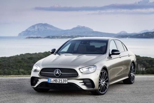 Mercedes Classe E 2020: allestimenti, motori e prezzi - Foto 9 di 19