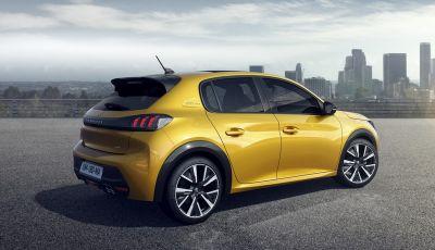 Peugeot 208 è Car Of The Year / Auto dell'Anno 2020