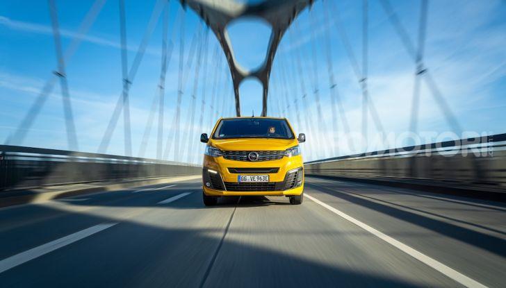 Opel Vivaro-e: il van elettrico con grande autonomia e capacità di carico - Foto 3 di 14