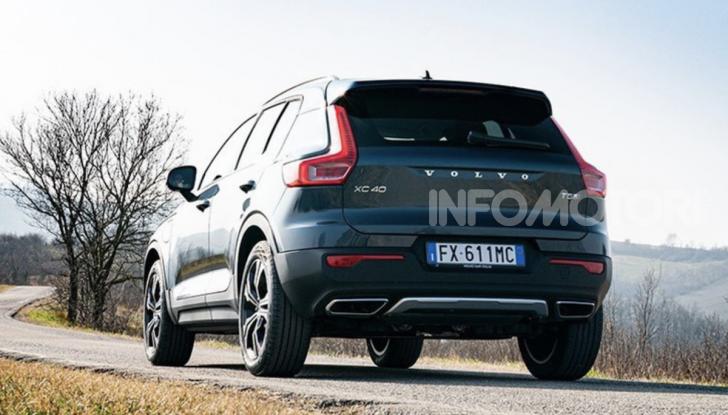 Volvo XC40 Recharge T5 Plug-in Hybrid: motori e prezzi - Foto 14 di 21