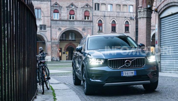 Volvo XC40 Recharge T5 Plug-in Hybrid: motori e prezzi - Foto 20 di 21