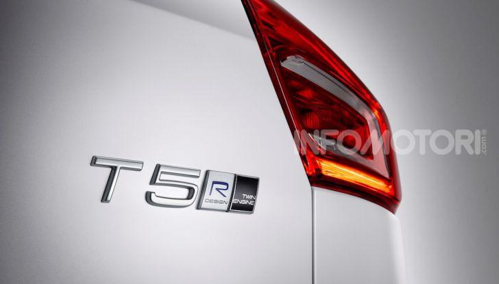 Volvo XC40 Recharge T5 Plug-in Hybrid: motori e prezzi - Foto 6 di 21