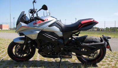 Test ride Suzuki Katana Jindachi: la naked che unisce potenza ed eleganza