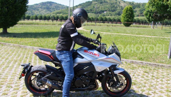 Test ride Suzuki Katana Jindachi: la naked che unisce potenza ed eleganza - Foto 10 di 40