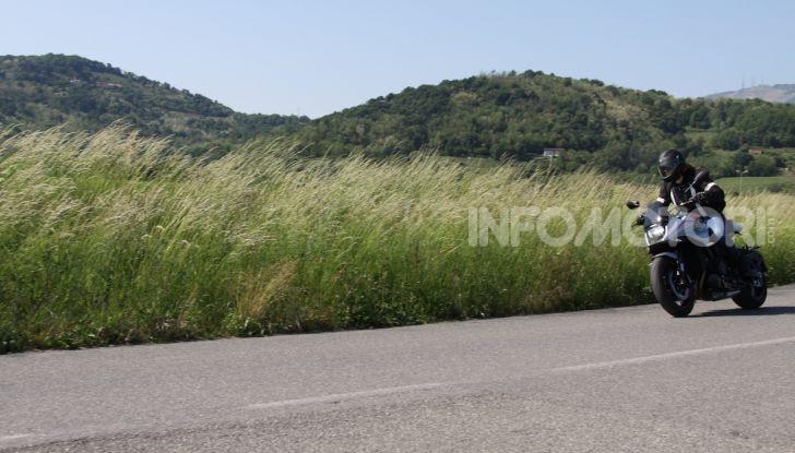 Test ride Suzuki Katana Jindachi: la naked che unisce potenza ed eleganza - Foto 17 di 40