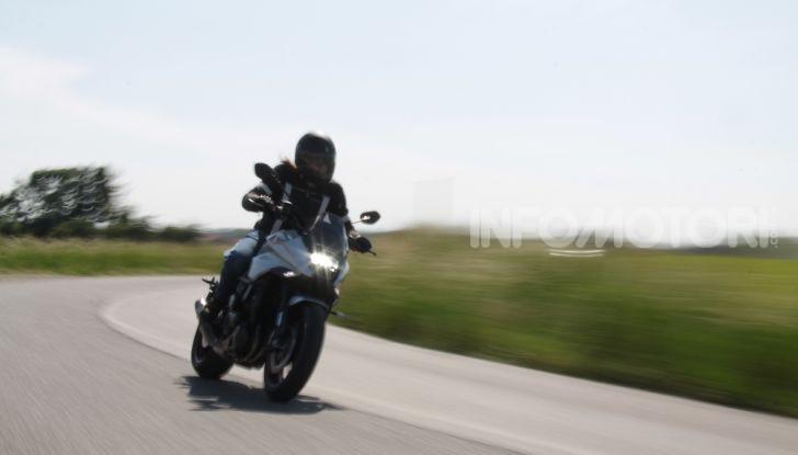 Test ride Suzuki Katana Jindachi: la naked che unisce potenza ed eleganza - Foto 18 di 40