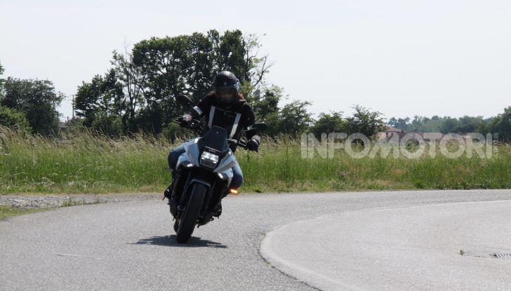 Test ride Suzuki Katana Jindachi: la naked che unisce potenza ed eleganza - Foto 20 di 40