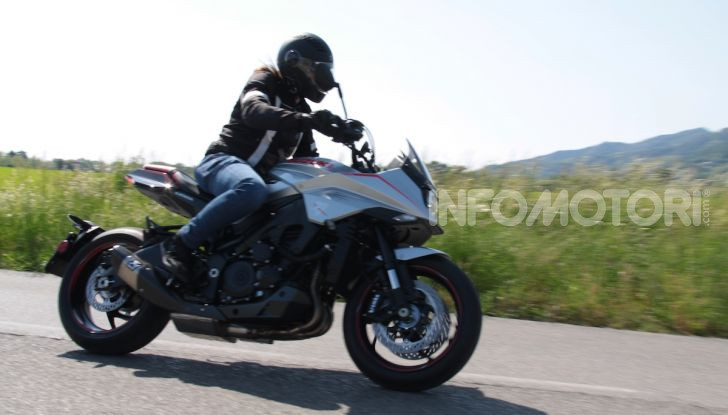 Test ride Suzuki Katana Jindachi: la naked che unisce potenza ed eleganza - Foto 21 di 40