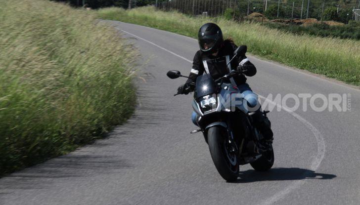 Test ride Suzuki Katana Jindachi: la naked che unisce potenza ed eleganza - Foto 24 di 40