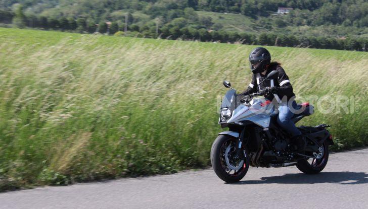 Test ride Suzuki Katana Jindachi: la naked che unisce potenza ed eleganza - Foto 26 di 40