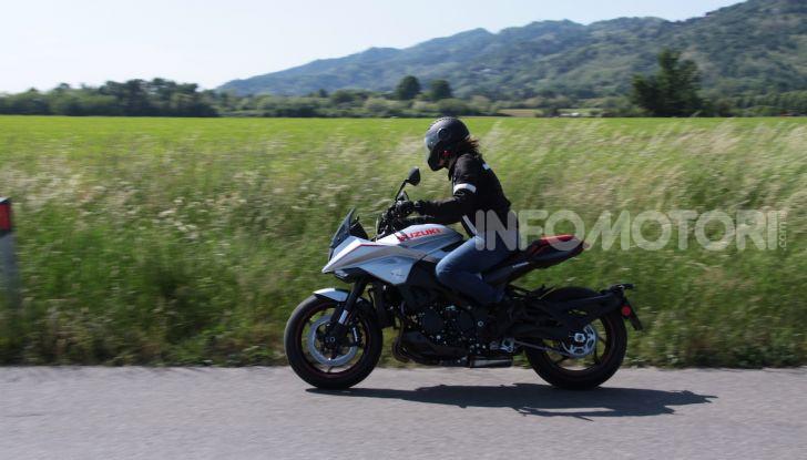 Test ride Suzuki Katana Jindachi: la naked che unisce potenza ed eleganza - Foto 28 di 40