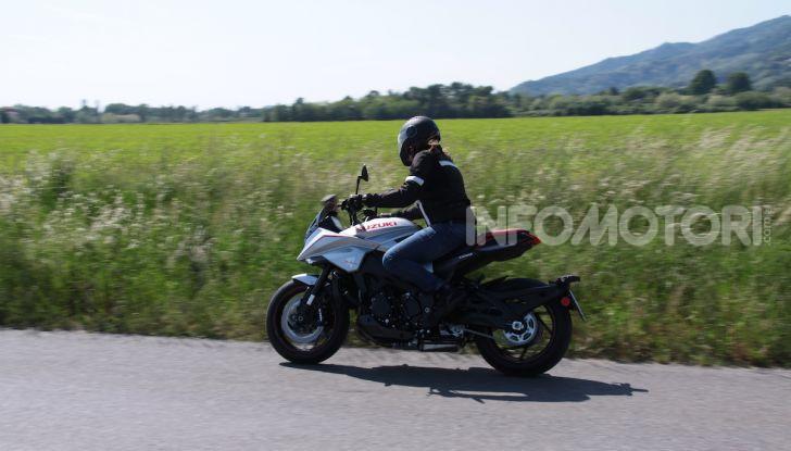 Test ride Suzuki Katana Jindachi: la naked che unisce potenza ed eleganza - Foto 29 di 40