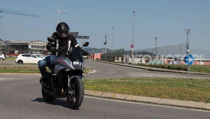 Test ride Suzuki Katana Jindachi: la naked che unisce potenza ed eleganza - Foto 34 di 40
