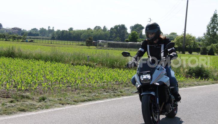Test ride Suzuki Katana Jindachi: la naked che unisce potenza ed eleganza - Foto 35 di 40