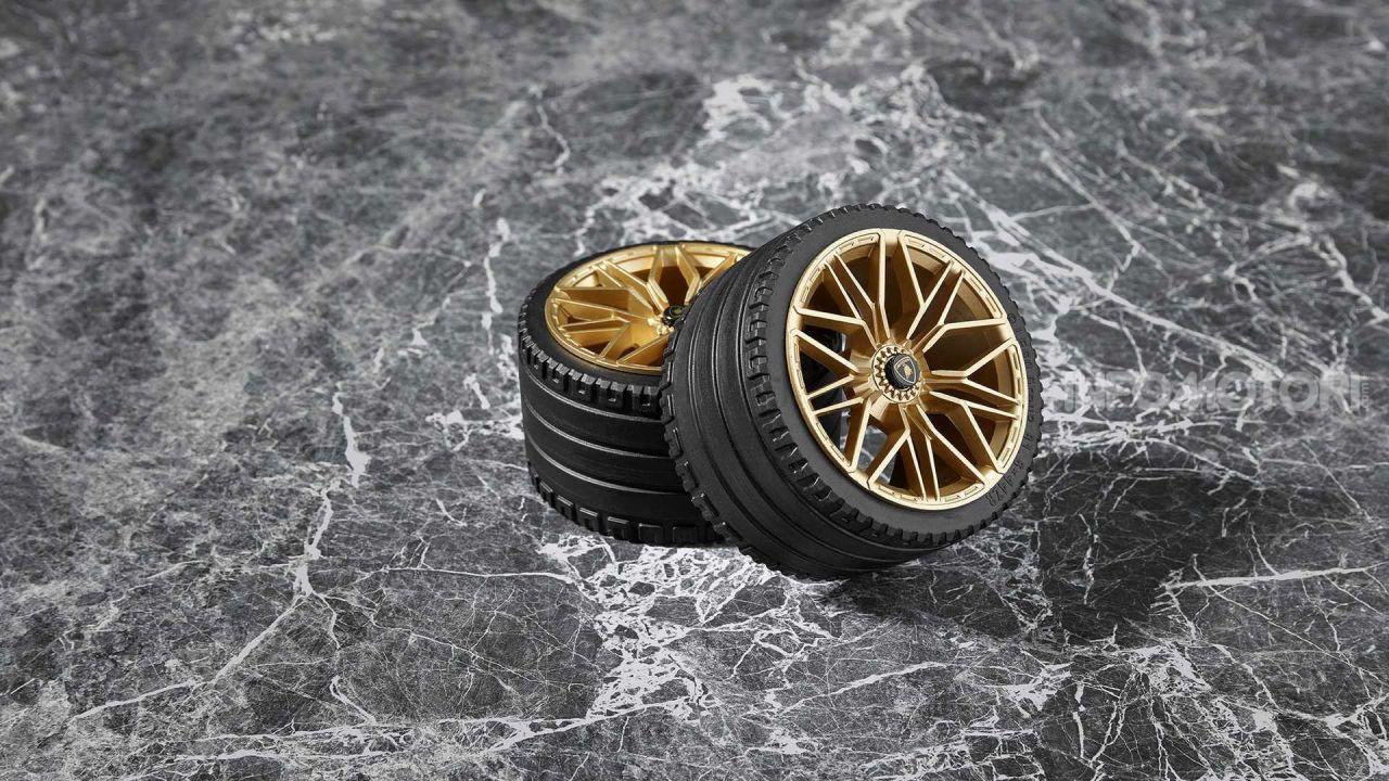 LEGO Lamborghini Siàn FKP 37, V12 in scala 1:8 - Infomotori