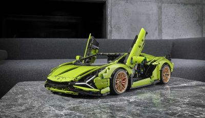 LEGO Lamborghini Siàn FKP 37, V12 in scala 1:8