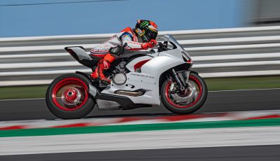 La Ducati Panigale V2 con nuova livrea White Rosso