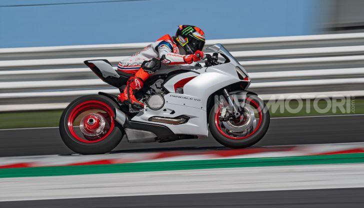 La Ducati Panigale V2 con nuova livrea White Rosso - Foto 6 di 9