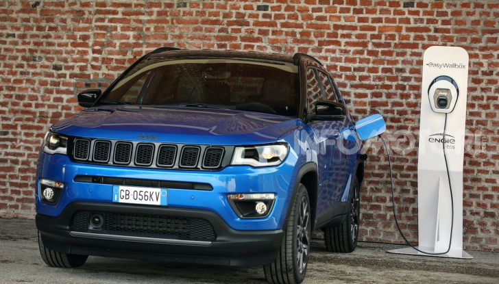 [VIDEO] Jeep: Renegade e Compass 4xe ridefiniscono gli standard delle auto ibride plug-in - Foto 9 di 34