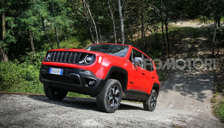 [VIDEO] Jeep: Renegade e Compass 4xe ridefiniscono gli standard delle auto ibride plug-in - Foto 7 di 34