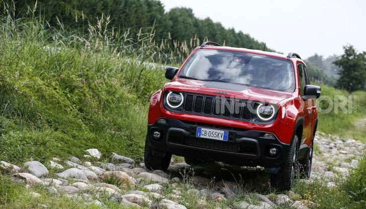 [VIDEO] Jeep: Renegade e Compass 4xe ridefiniscono gli standard delle auto ibride plug-in - Foto 5 di 34