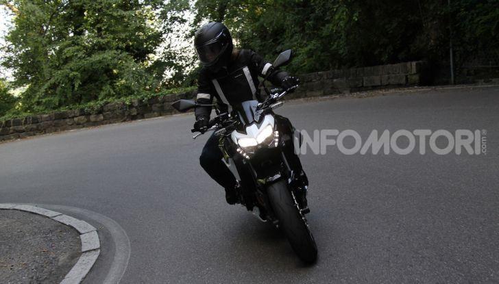 Prova Kawasaki Z900: 125 CV di puro godimento - Foto 9 di 31