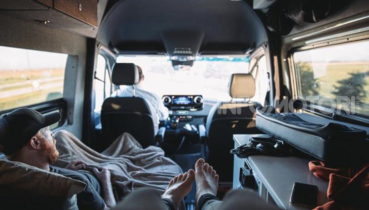 Storyteller Overland: tris di camper su base Mercedes Sprinter - Foto 9 di 9