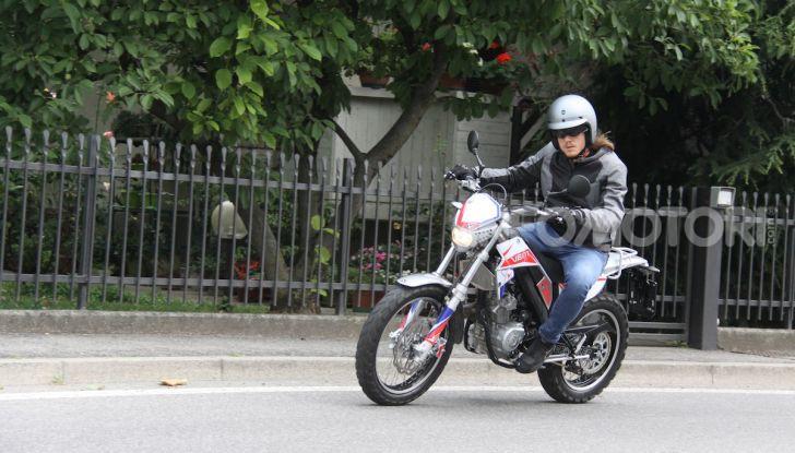 Prova Vent Scrambler 125: la piccola offroad adatta anche nel traffico - Foto 28 di 32