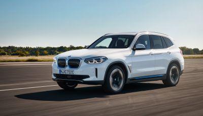 BMW iX3 2020, il nuovo SUV elettrico della Casa dell'Elica