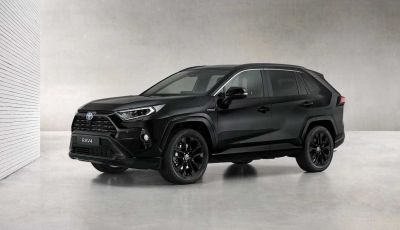 Toyota RAV4 Hybrid: total black per sembrare più aggressiva