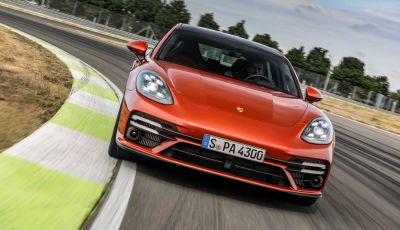 Porsche Panamera restyling 2021, anche hybrid plug-in