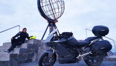 Fino a Capo Nord con una Zero Motorcycles SR/S: l'impresa di Miriam Orlandi