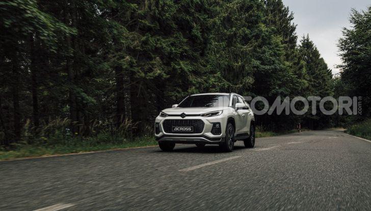 [VIDEO] Suzuki ACross: il SUV ibrido che si sente una sportiva - Foto 11 di 44