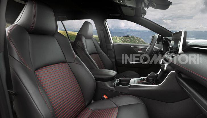 [VIDEO] Suzuki ACross: il SUV ibrido che si sente una sportiva - Foto 20 di 44