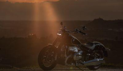 [VIDEO] Prova BMW R18: il boxer da 1.800cc che va oltre l'immaginazione