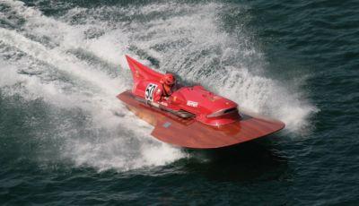 Ferrari Timossi Arno XI: il motoscafo del Cavallino Rampante è all'asta!