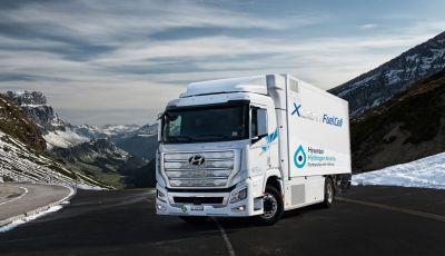Hyundai consegna i primi camion a idrogeno Xcient Full Cell
