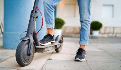 Bici e monopattini: tutte le regole del Codice della Strada