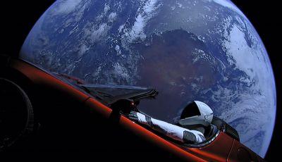 Tesla Roadster dopo 2 anni è ora vicina a Marte