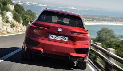 BMW iX: il nuovo SAV elettrico arriva a fine 2021