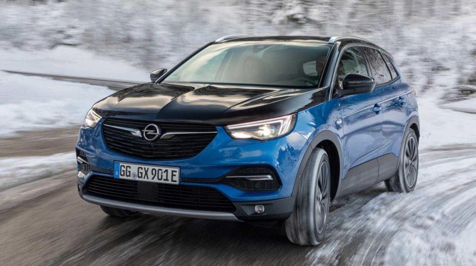 Opel Grandland X 2021: quattro nuovi allestimenti per il SUV tedesco