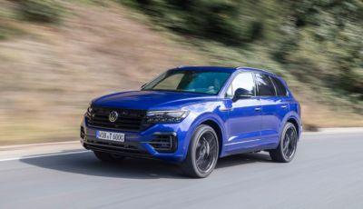 Volkswagen Touareg: arrivano in Italia la eHYBRID e la R con tecnologia plug-in