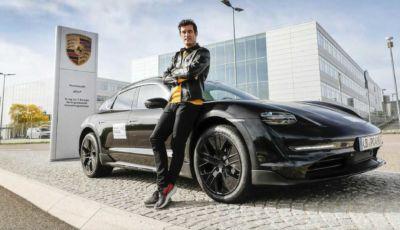 Porsche Taycan Cross Turismo: in testing con al volante Mark Webber