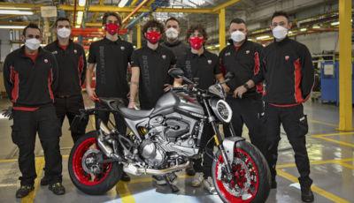 Ducati: inizia la produzione della nuova Monster