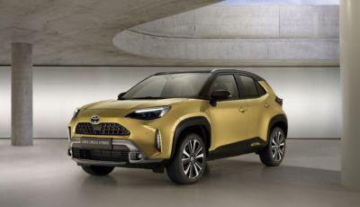 Toyota Yaris Cross: il SUV ibrido arriva nelle versioni Adventure e Premiere