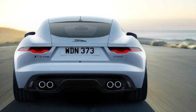 Jaguar F-Type 2021: l'allestimento R-Dynamic Black parte da 78.410 Euro