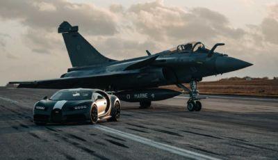 Bugatti Chiron Pur Sport contro Dassault Rafale: chi vince in accelerazione?