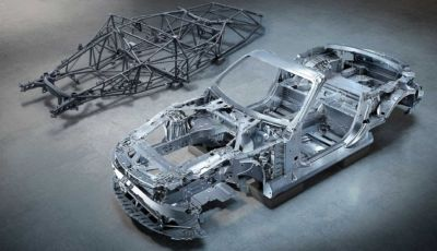 Mercedes-AMG SL MY2022: svelata la scocca in alluminio auto-portante